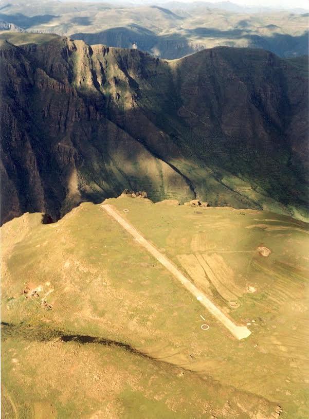 2016-03-11 - Matekane Airport - Lesotho